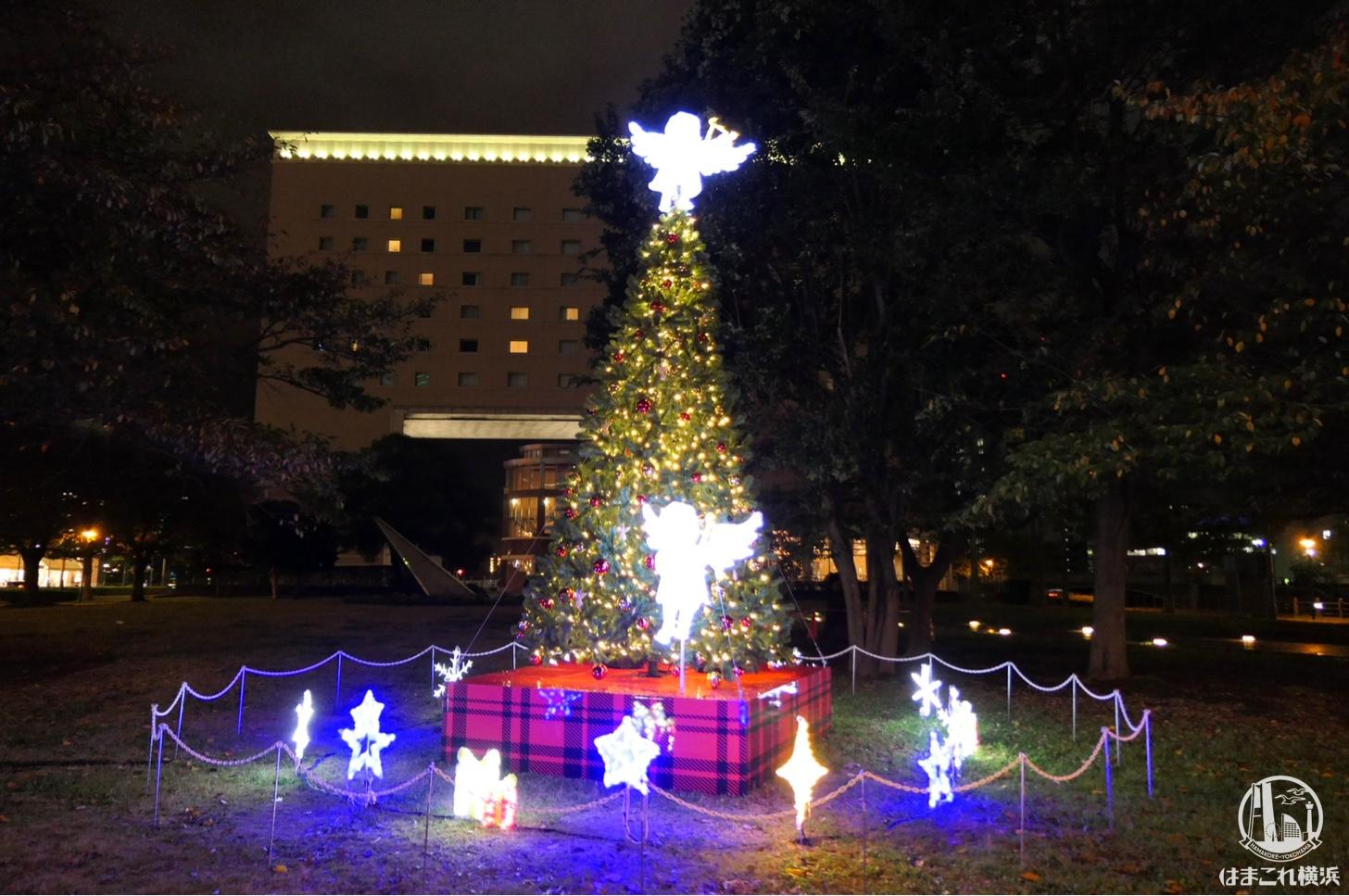 横浜ワールドポーターズ クリスマスツリー