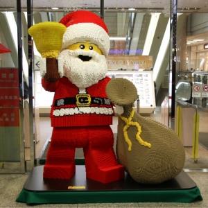 日本初!レゴのサンタがランドマークプラザでお出迎え