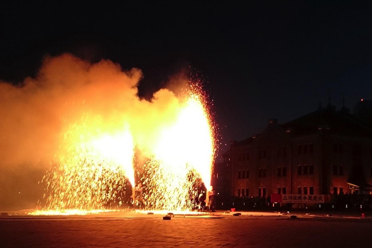 横浜赤レンガ倉庫で豊橋発祥「手筒花火」特別放揚!全国ふるさとフェアも