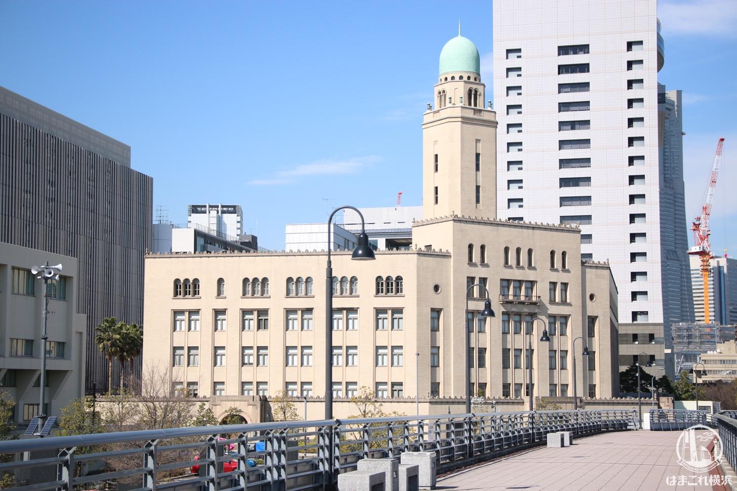 横浜税関(クイーン)