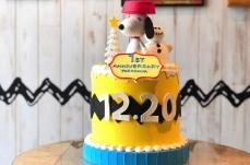 ピーナッツ ダイナー 横浜、1周年記念でスヌーピーのケーキを期間限定で展示!