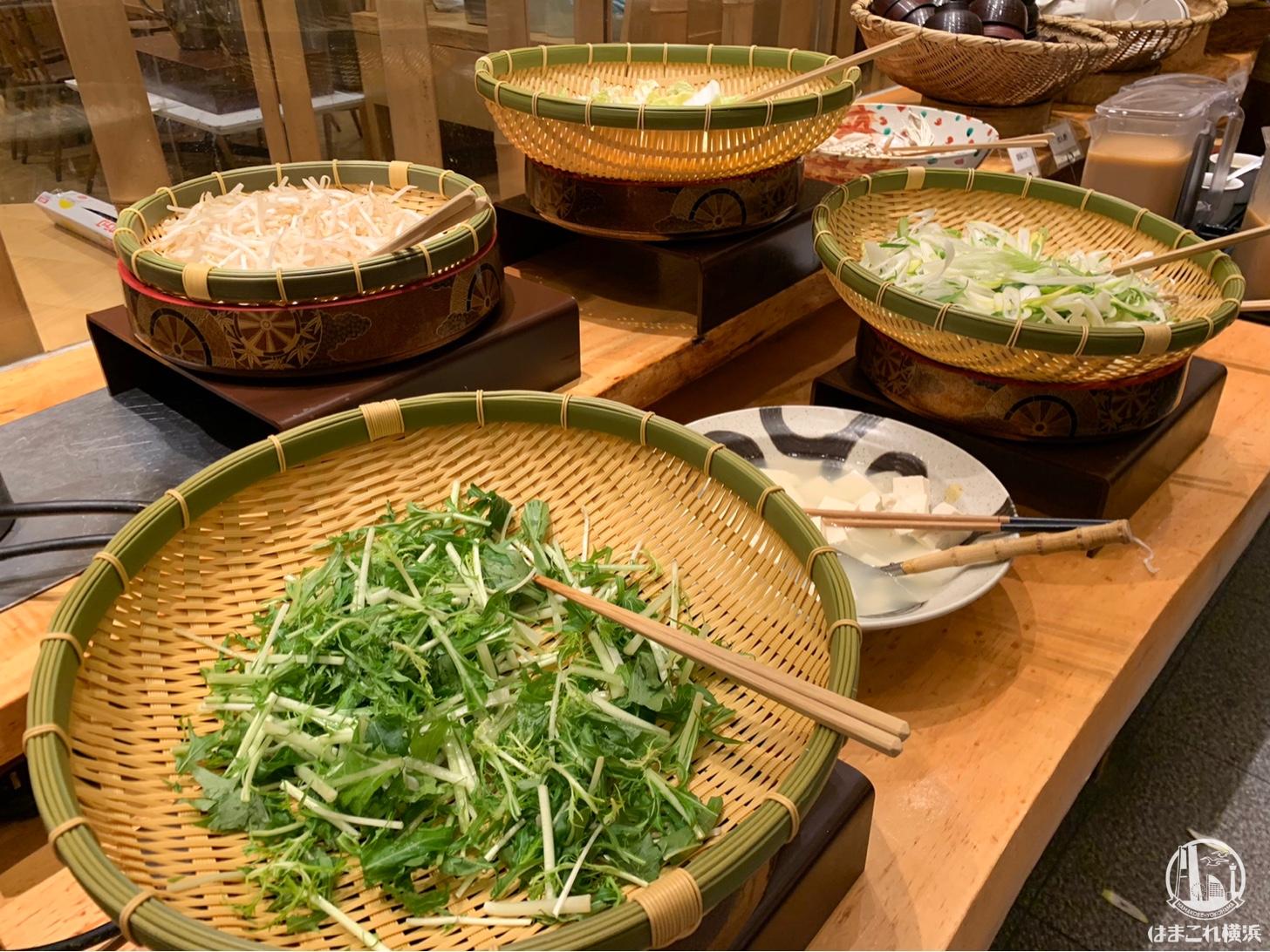 自然食バイキングと季節の鍋