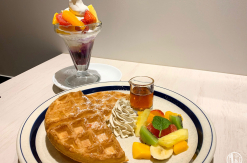 新山下シマホ「フタバフルーツパーラー」にフルーツサンドはないけどパフェもワッフルが美味!
