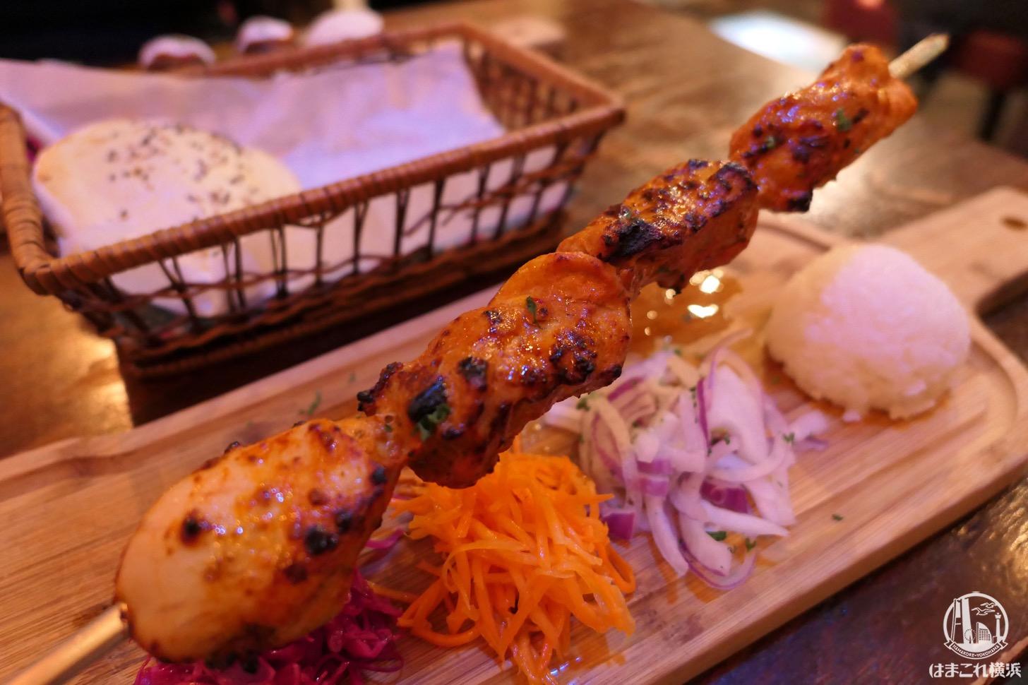 横浜駅「トゥルバ」でトルコ料理・串ケバブをランチに ...