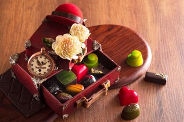 横浜ベイホテル東急 バレンタインギフトでトランク型のチョコレートを新発売!