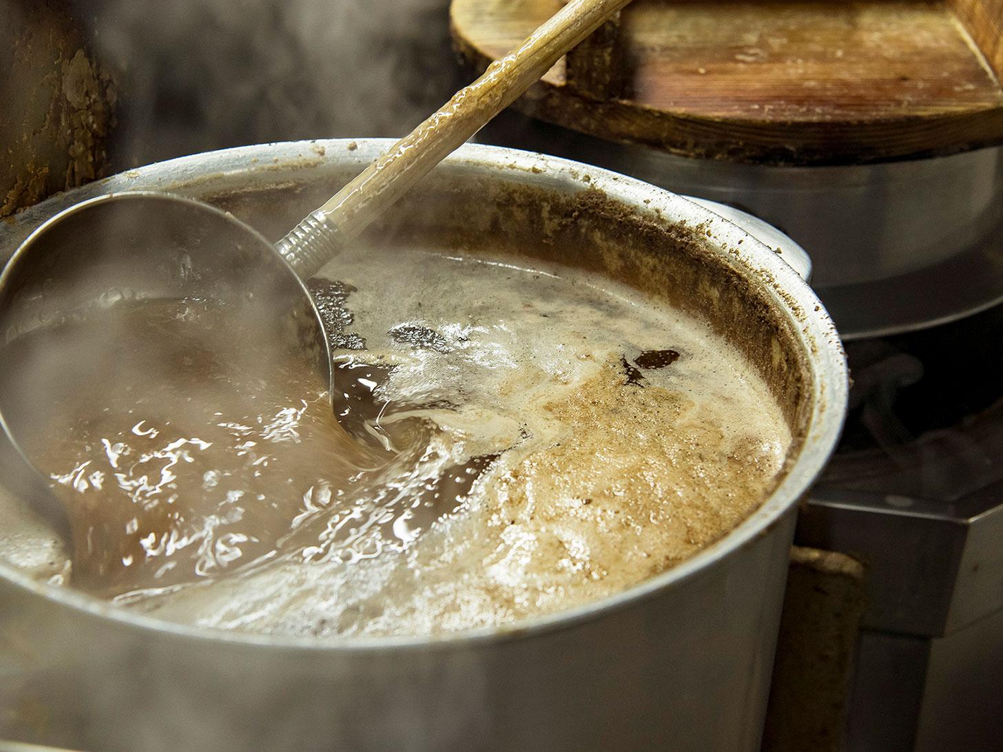 八ちゃんラーメン スープ