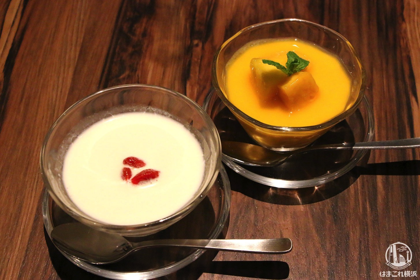 クリーミー杏仁豆腐とマンゴープリン