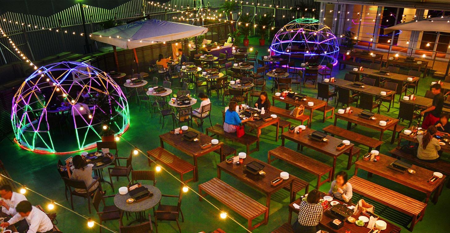2019年 横浜モアーズ屋上に食べ放題の全天候型ビアガーデンがオープン!