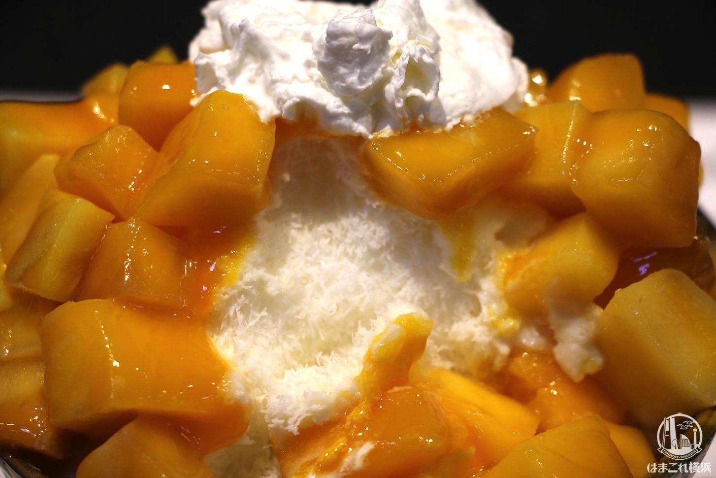 スノーウィーヴィレッジ 生マンゴーのかき氷 ミルク氷