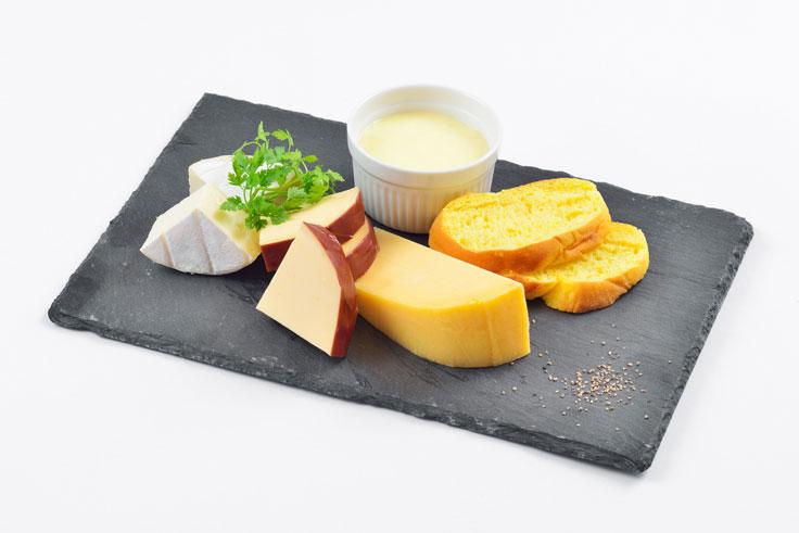 9月 チーズセット(フォンデュチーズ/北海道産チーズステーキ/チーズ味噌漬け/スモークチーズ)