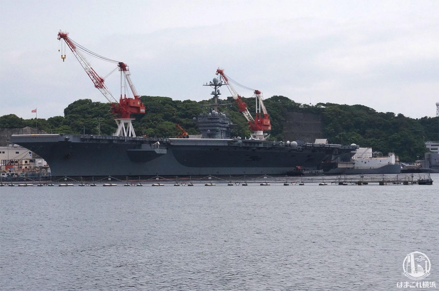 横須賀「軍港めぐり」ジョージワシントン空母