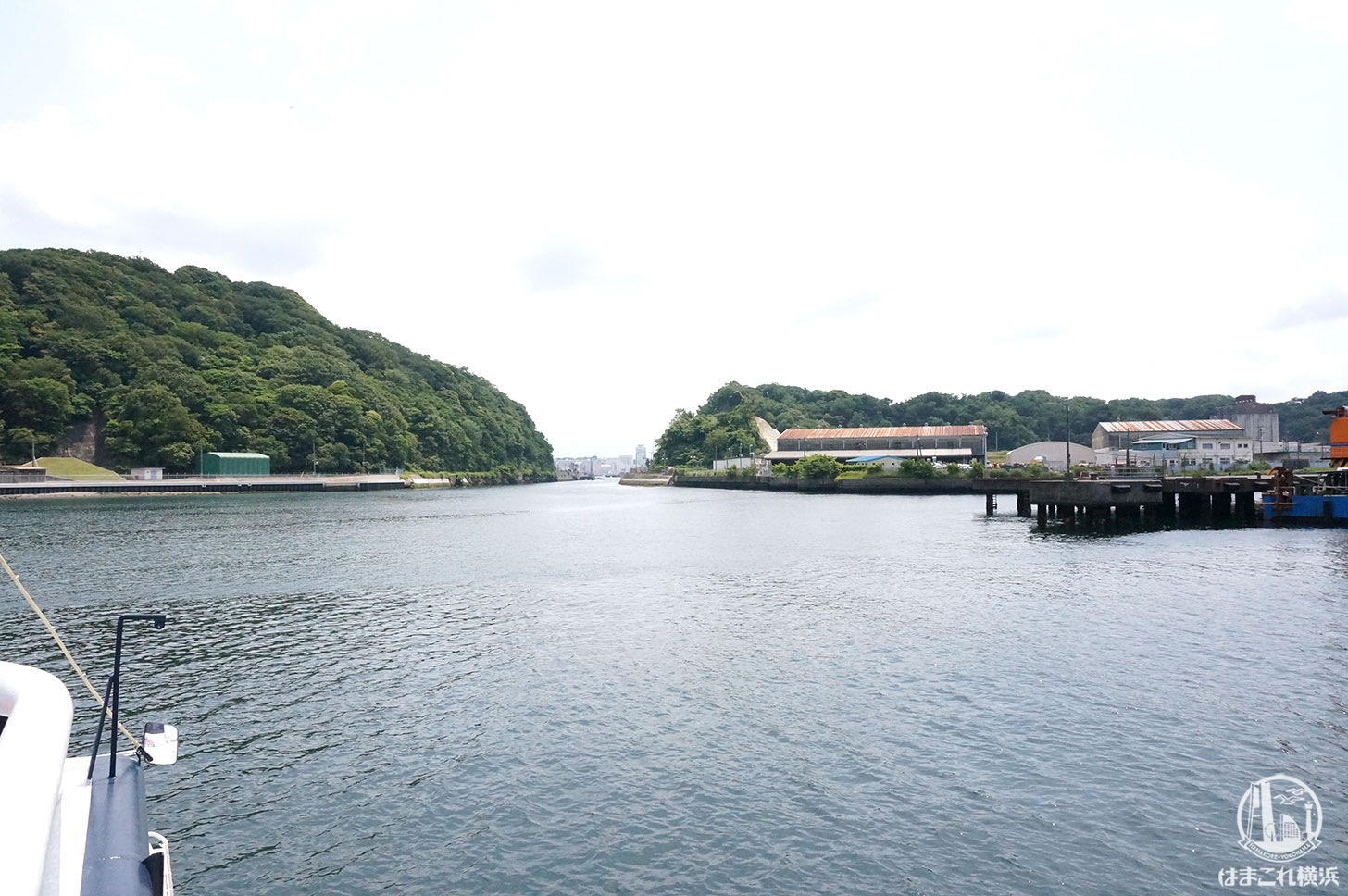 横須賀「軍港めぐり」水路