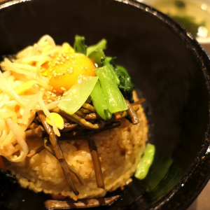 横浜ベイクォーター「コラボ」で石焼ビビンバランチ!本場の韓国料理揃う名店
