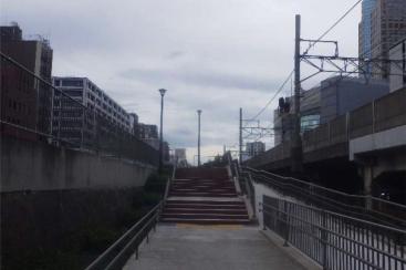 桜木町駅そばの東横線跡地、歩行者専用道路として供用開始!