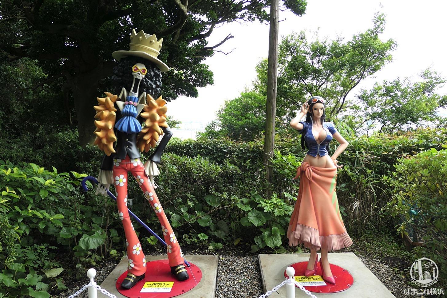 宴島(猿島)ブルックとロビン等身大フィギュア