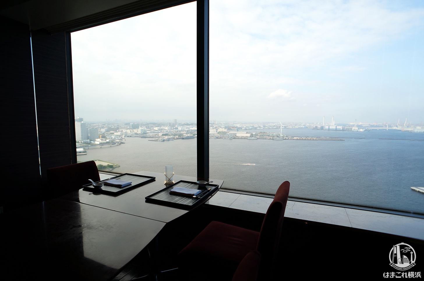カリュウ 窓側席からの景色