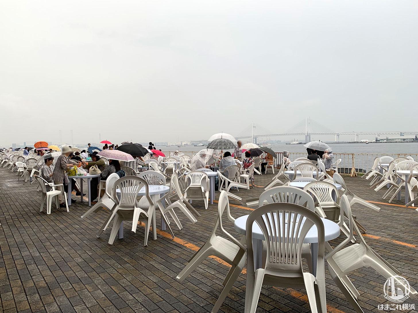 横浜スパークリングトワイライト 大さん橋 テーブル席
