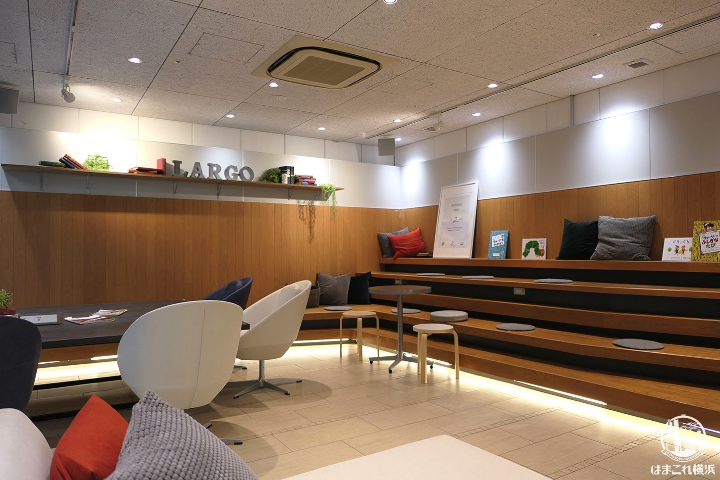 Largo Cafe & Bar Lounge presented by UCC 店内席