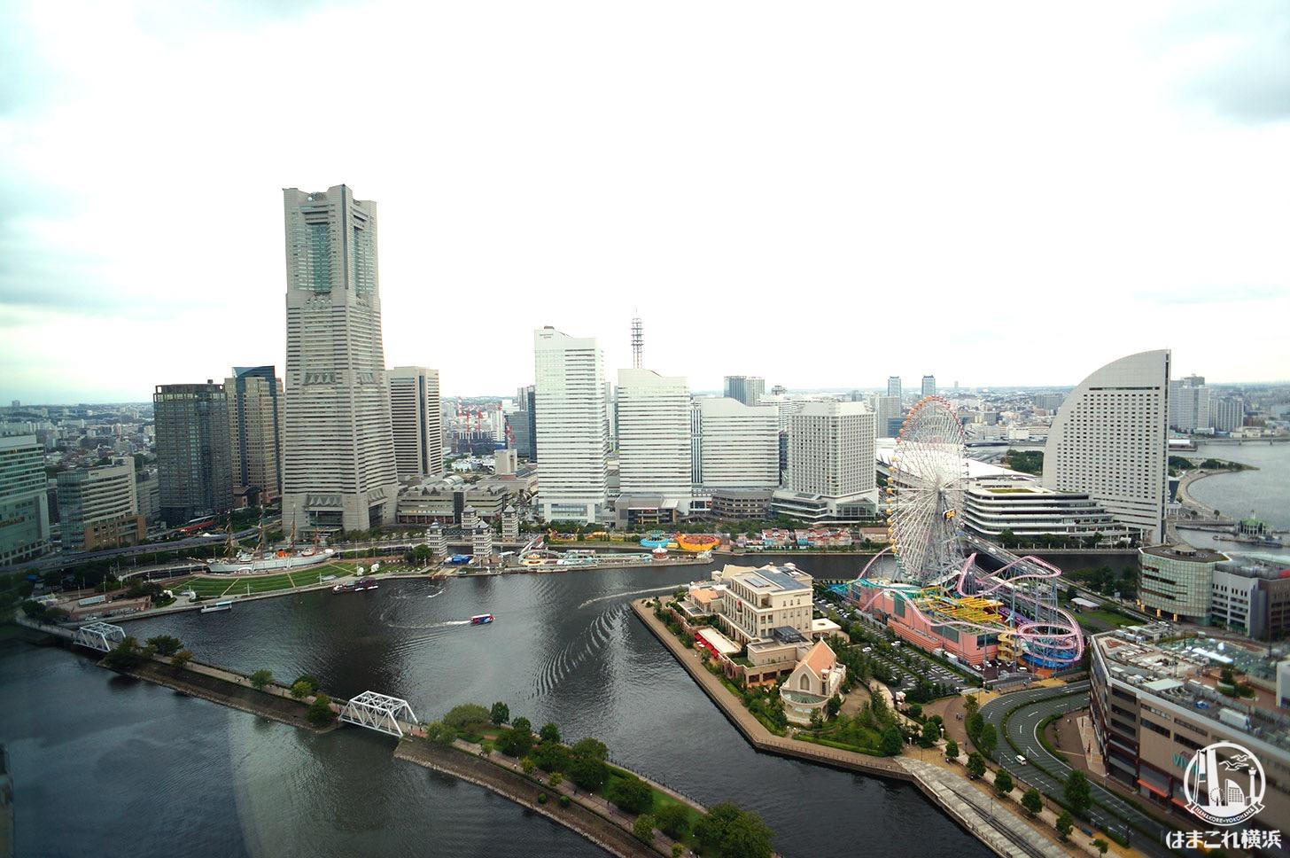 アパホテル&リゾート 横浜ベイタワー 貸切スペースから見たみなとみらいの景色