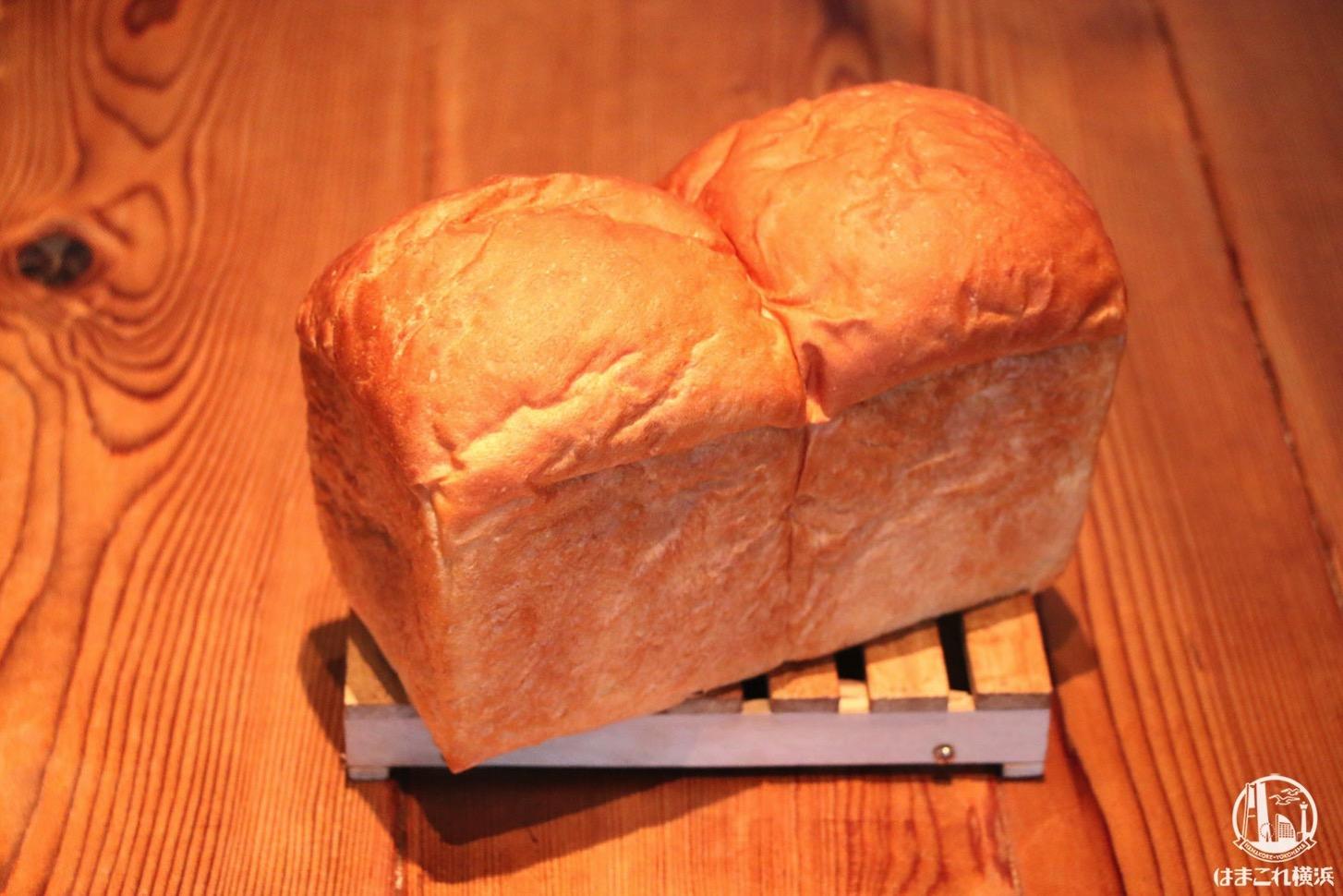 自家製食パン「両想い」