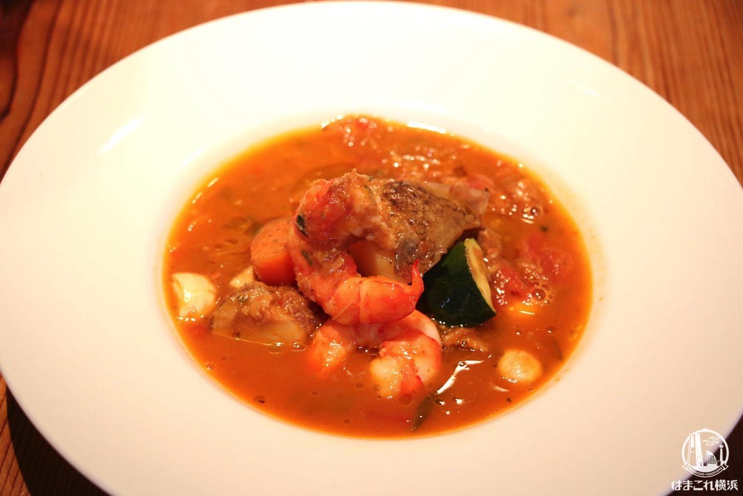 ごろごろ野菜と魚介の煮込みスープ