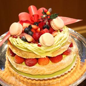 ホテルニューグランド、2019年のクリスマスケーキお披露目!リースをモチーフにしたケーキなど