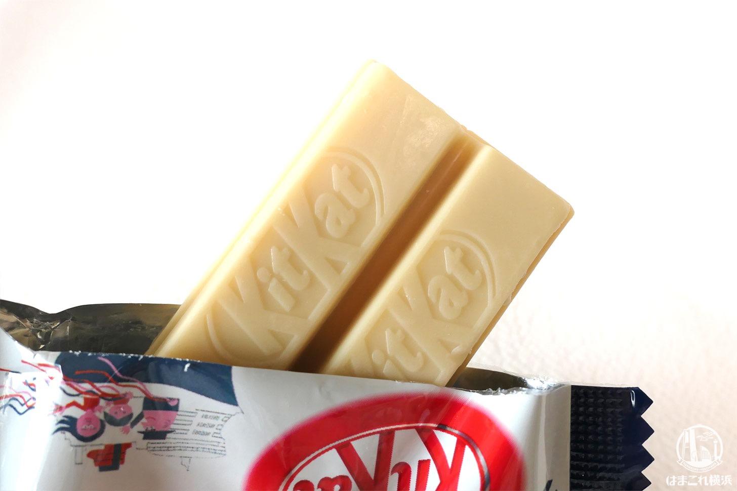 マロン風味のチョコレートでコーティングされたハーバーキットカット