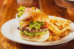 ハンバーガーレストラン「ローラーコースト」横浜みなとみらいにオープン!