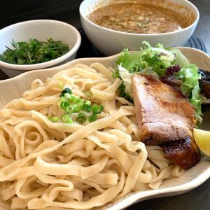 鎌倉「一閑人」のつけ麺は通い続ける旨さ、野菜も入ったオリジナルの一杯