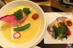 銀座 篝(かがり)鎌倉店でお洒落ラーメン!和の内装で上品な鶏白湯