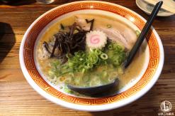 たつ屋 日ノ出町店の豚骨ラーメンが美味!麺は全粒粉、女性も嬉しい食べやすさ