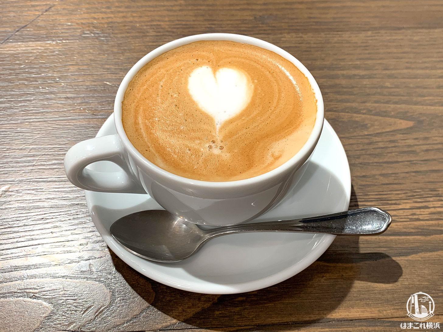 キャラバンコーヒー 元町店 カフェラテ