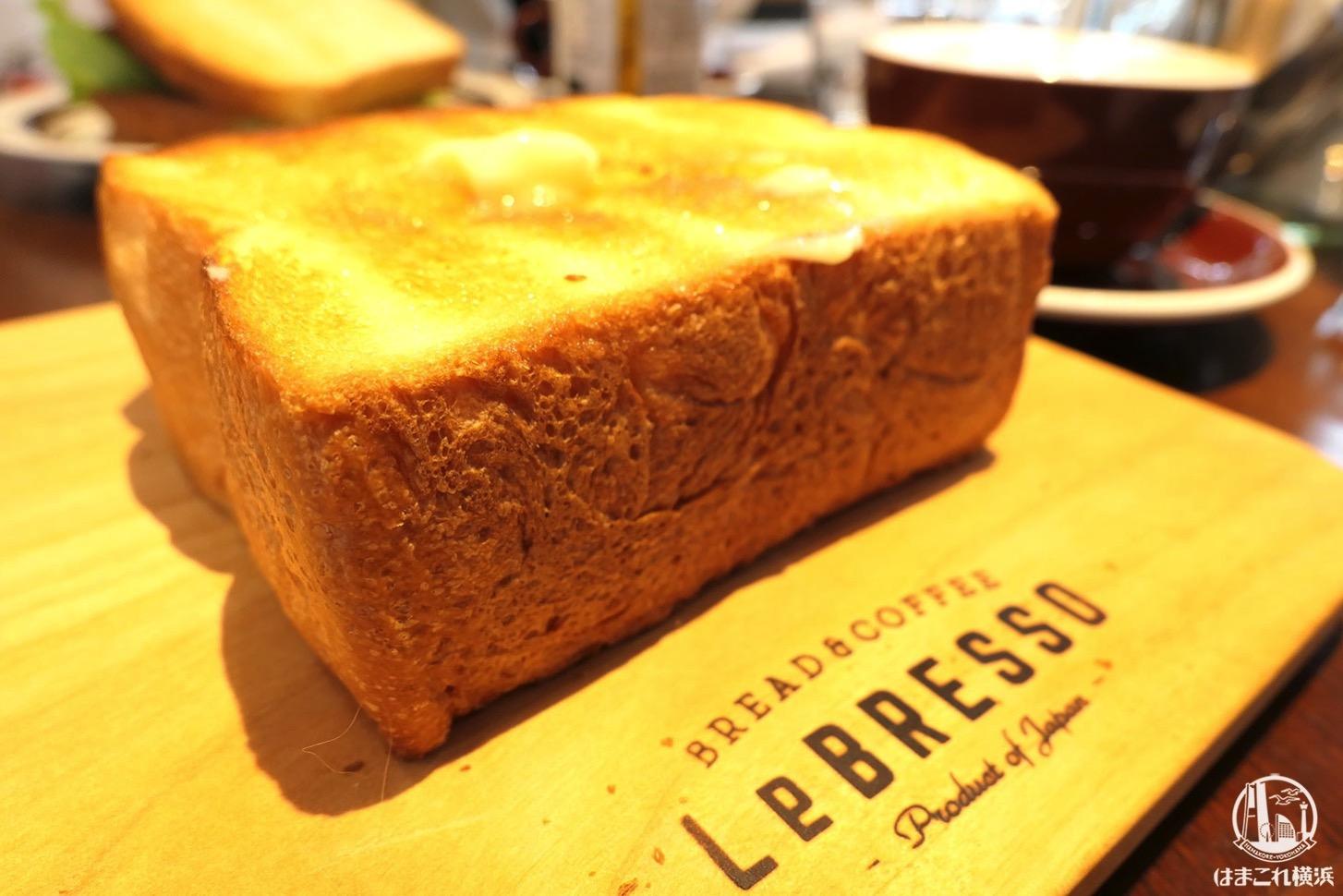 厚切りバタートーストの厚さ