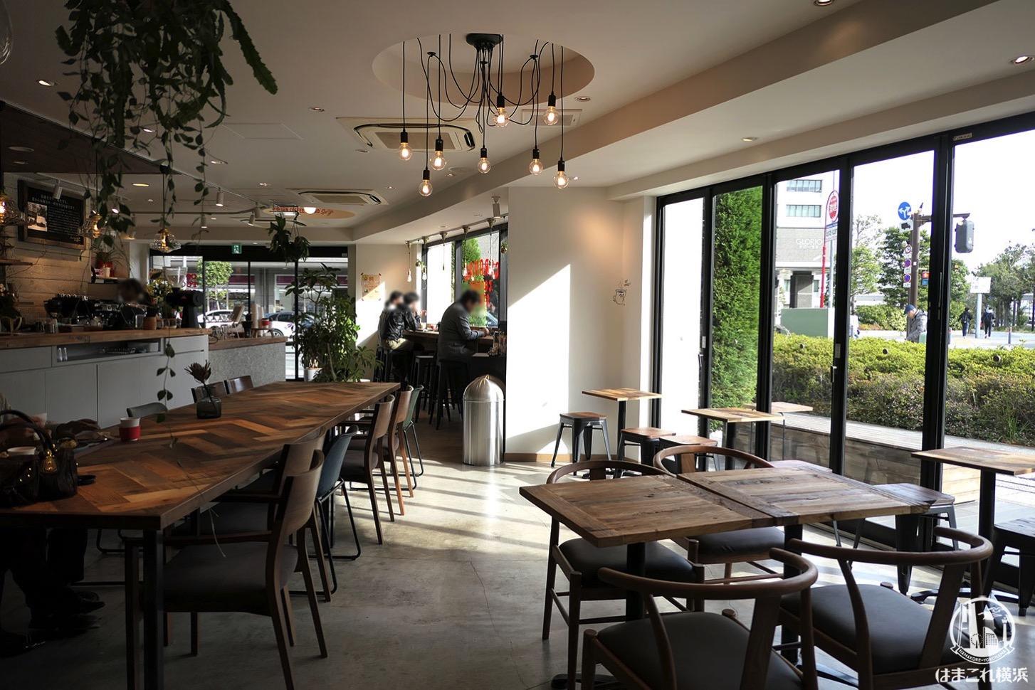 キャラバンコーヒースタンド 店内雰囲気・店内席