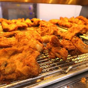 KFCレストラン南町田でケンタッキー食べ放題!140組待ちでも満足のメニュー数