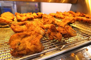 KFCレストラン 南町田 でケンタッキー食べ放題!140組待ちでも大満足のメニュー数