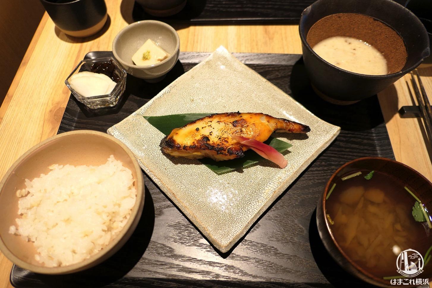 黒十 横浜のランチは自然薯とろろ食べ放題でめちゃ旨!めすすめの駅近・和食店