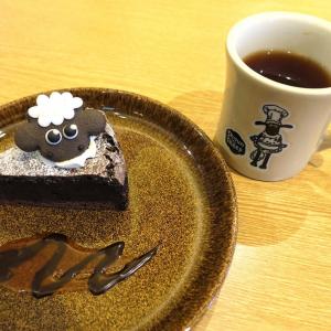 ひつじのショーンカフェ南町田、店内もメニューも可愛い!整理券で入店してみた