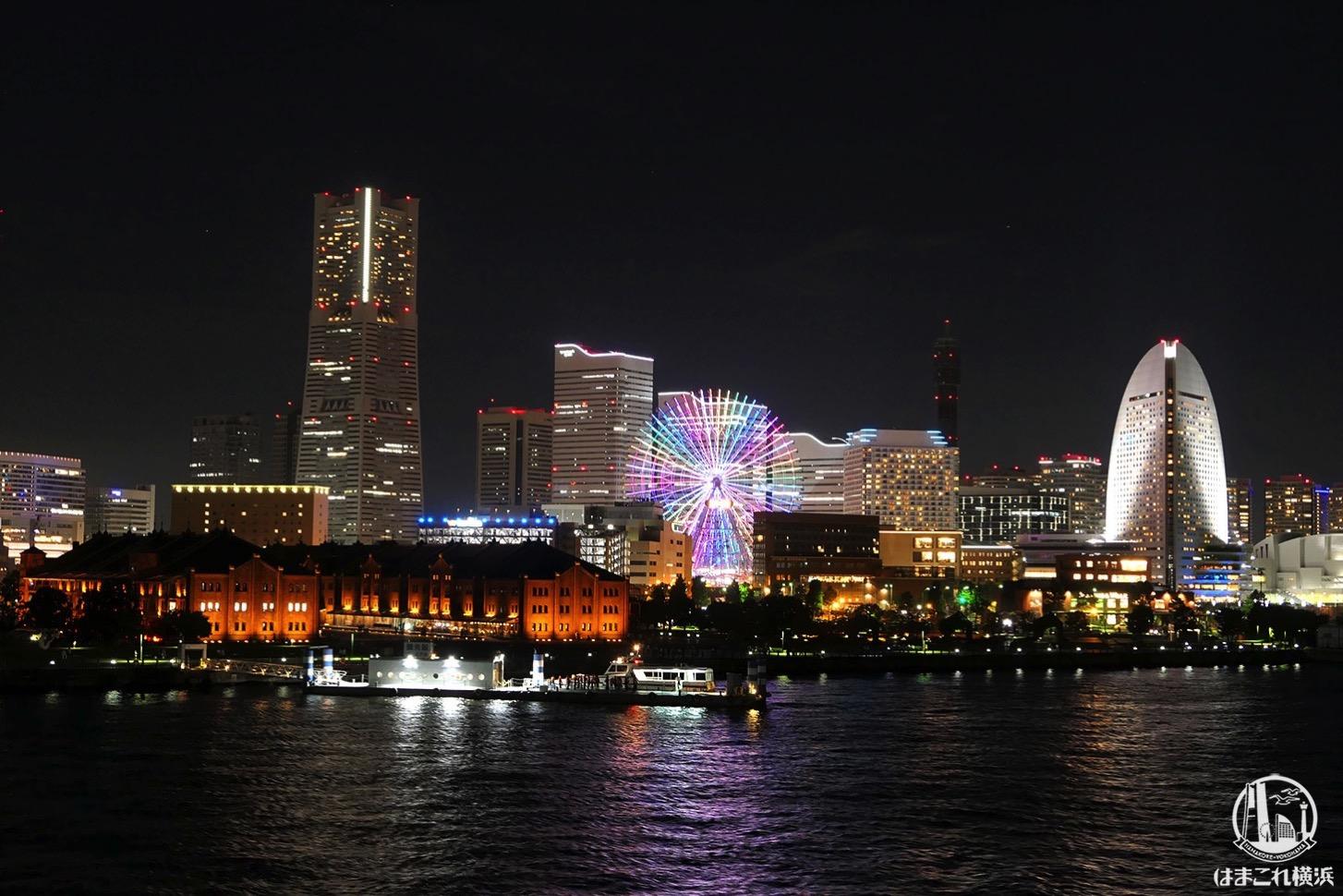 横浜港大さん橋国際客船ターミナル 屋上から見たみなとみらいの夜景
