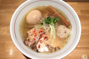 横浜「地球の中華そば」は鶏と魚介のスープが魅力!行列できる淡麗ラーメン