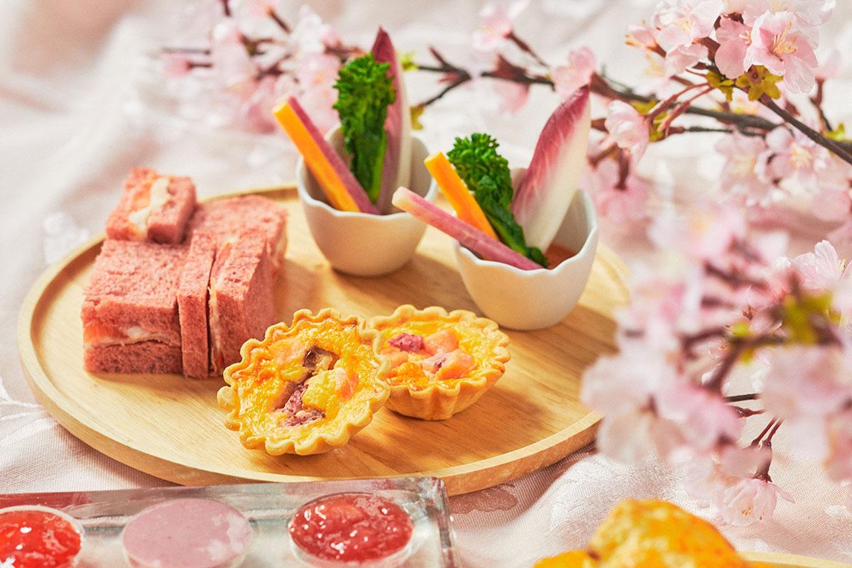 苺と桜のスプリングアフタヌーンティー