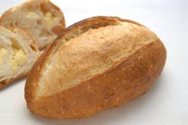 ポンパドウル全店で人気No.1商品「チーズバタール」の誕生祭開催!