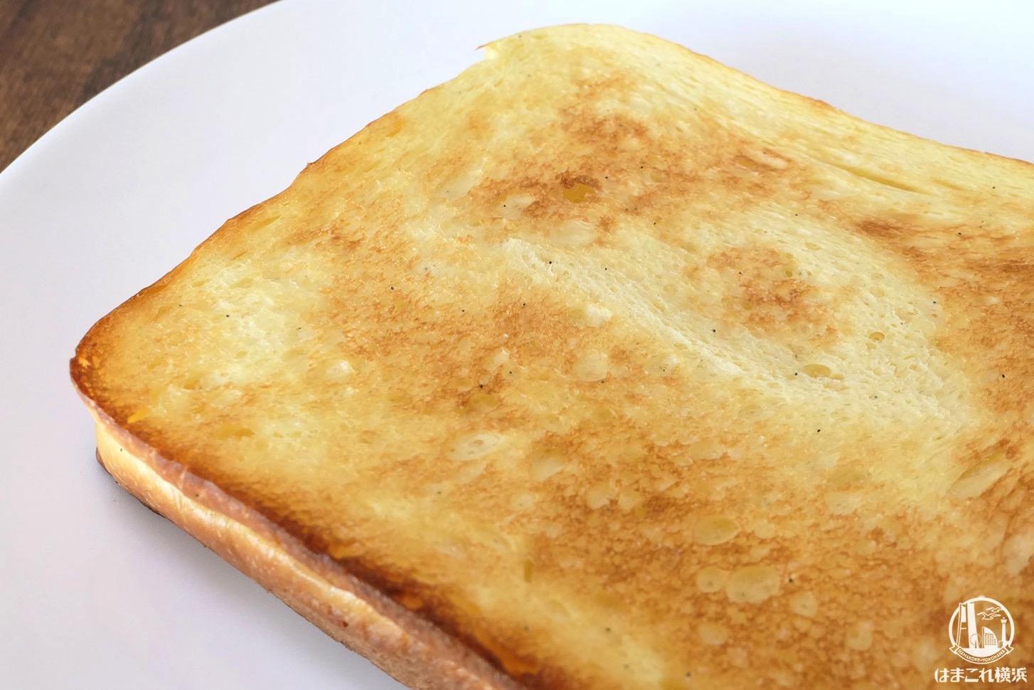 トースターで焼いた食パン「ふわ」