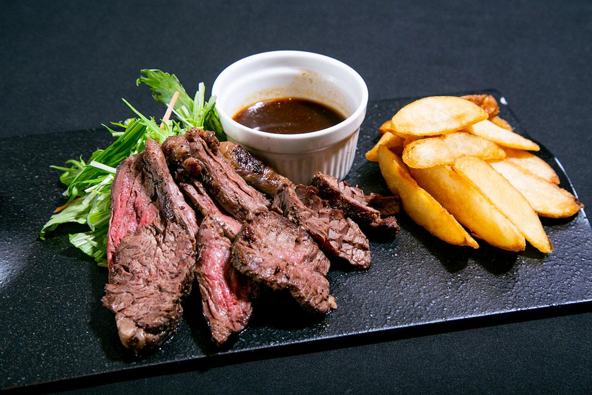 横浜焼きそばセンターまるき「ハラミステーキ〜肉祭りver〜」
