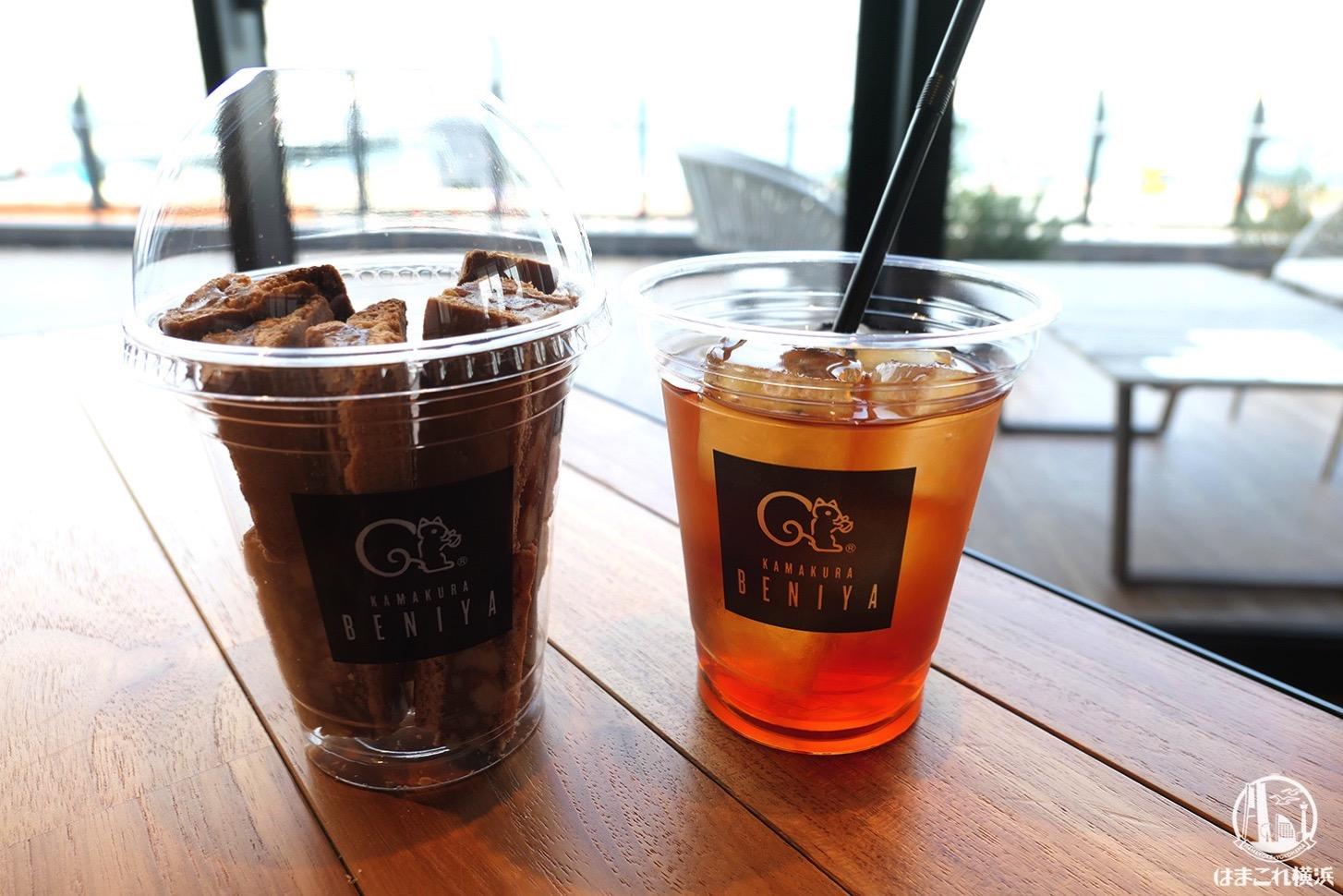 """クルミッ子ファクトリーのカフェで""""切り落とし""""だらけのクルミミカップ堪能!横浜ハンマーヘッド"""