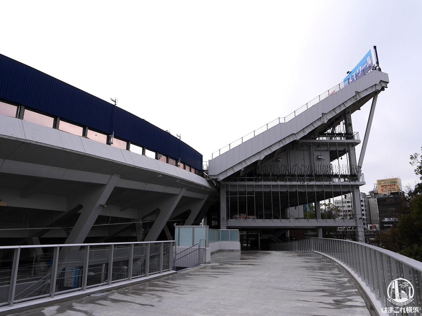 横浜スタジアム外周を1周できる「Yデッキ」から見たレフトウィング席