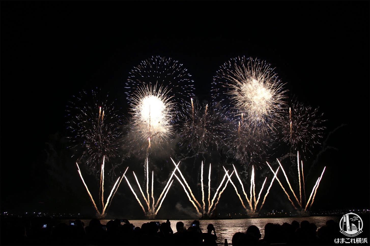 みなとみらいスマートフェスティバル2019開催時の打ち上げ花火