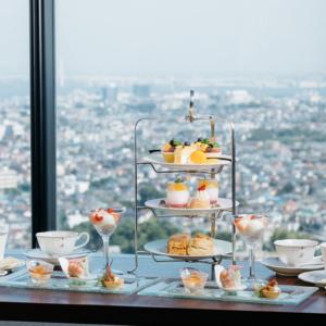 新横浜プリンスホテル、ピーチとマンゴーの天空のアフタヌーンティー開催