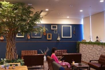 横浜天然温泉「スパ イアス」のカフェをボタニカルカフェにリニューアル