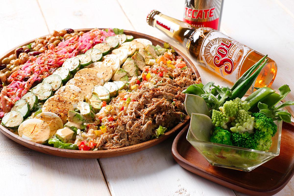 サボテンとアボカドのディップサラダ